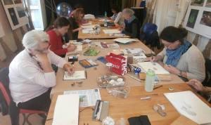 Studenti all'opera al corso di disegno naturalistico presso il nostro CEA